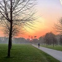 Das Foto wurde bei Kensington Gardens von Richard J B W. am 3/30/2012 aufgenommen