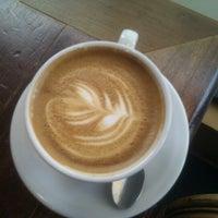 Снимок сделан в Metropolis Coffee Company пользователем Amanda H. 2/16/2012