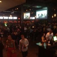 Foto tomada en Wellman's Pub & Rooftop por Joe H. el 5/27/2012