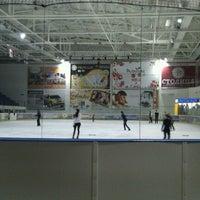 รูปภาพถ่ายที่ Айс Холл / Ice Hall โดย Nikolai G. เมื่อ 2/4/2012