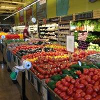 รูปภาพถ่ายที่ Coffee Bar @ Whole Foods Market โดย Trina F. เมื่อ 6/7/2012