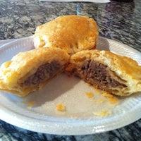 Foto tirada no(a) Yummy Pho por Mackenzie J. em 7/22/2012