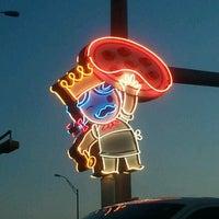 Foto tomada en Home Slice Pizza por Elisa B. el 8/24/2012
