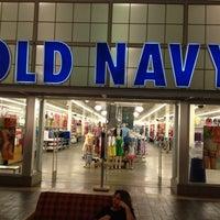 644ab599434 ... Foto tirada no(a) Old Navy por Ryan P. em 5 30 ...