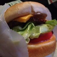 Das Foto wurde bei Willie's Burgers von erin w. am 8/4/2012 aufgenommen