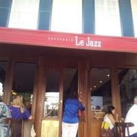 Foto tirada no(a) Le Jazz Brasserie por ladyrasta F. em 9/1/2012