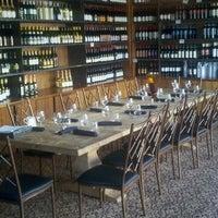 Foto tirada no(a) The Tasting Room por Hal M. em 9/2/2012