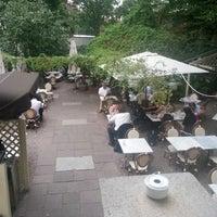 Das Foto wurde bei Café Einstein Stammhaus von Mahamad E. am 8/21/2012 aufgenommen