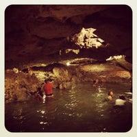 รูปภาพถ่ายที่ Cenote San Ignacio โดย Alfonso A. เมื่อ 7/22/2012