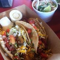 Photo prise au Torchy's Tacos par Wally G. le8/18/2012