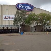 รูปภาพถ่ายที่ Northlands Coliseum โดย Molly C. เมื่อ 9/5/2012