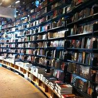 2/6/2012 tarihinde J. Gonzales I.ziyaretçi tarafından The American Book Center'de çekilen fotoğraf