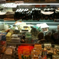 3/17/2012 tarihinde Mo H.ziyaretçi tarafından Monica's Mercato'de çekilen fotoğraf