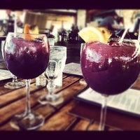 Foto diambil di Las Palmas Cafe @ Copamarina Beach Resort oleh Egy R. pada 4/23/2012