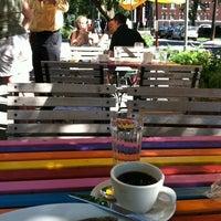 Foto tomada en Barbette por Jon D. el 8/6/2012