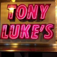 Foto scattata a Tony Luke's da Eric T. il 8/1/2012