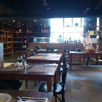 8/22/2012 tarihinde Victor V.ziyaretçi tarafından Mangiare Gastronomia'de çekilen fotoğraf