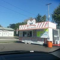 8/23/2012にRobert L.がEl Oasis Taco Truckで撮った写真