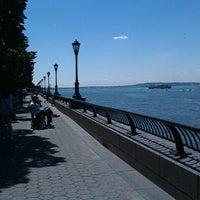 Photo prise au Battery Park City Esplanade par Guadalupe C. le8/29/2012