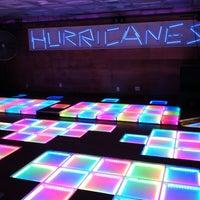 Снимок сделан в Hurricane's Bar & Grill пользователем Arnold S. 4/12/2012