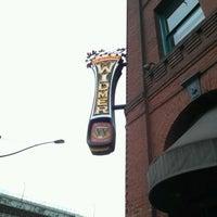 6/3/2012 tarihinde Josh R.ziyaretçi tarafından Widmer Brothers Brewing Company'de çekilen fotoğraf