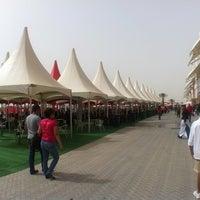 Das Foto wurde bei Bahrain International Circuit von LanCe|oT C. am 4/21/2012 aufgenommen