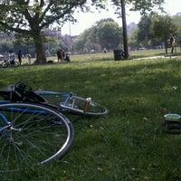 Foto tomada en McCarren Park por Lisa el 6/10/2012