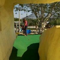 Das Foto wurde bei 76 Golf World von Derek E. am 2/11/2012 aufgenommen