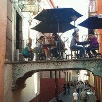 Foto tomada en Santo Café por Ricardo N. el 4/29/2012