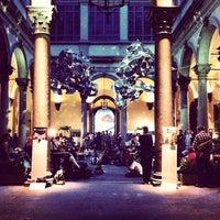Foto diambil di Palazzo Strozzi oleh Bogdan K. pada 6/18/2012