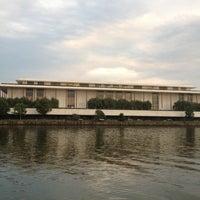 Foto scattata a Kennedy Center Opera House da Aaron C. il 8/22/2012