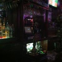 รูปภาพถ่ายที่ Lazy Boy Saloon & Ale House โดย John L. เมื่อ 8/28/2012