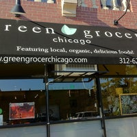 Foto scattata a Green Grocer Chicago da Purple P. il 8/18/2012