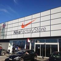 Trivial Docenas jurado  Nike Factory Store - 12 tips