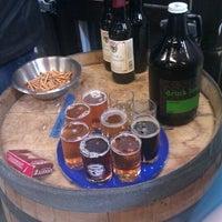 3/3/2012 tarihinde Theo S.ziyaretçi tarafından Fremont Brewing Company'de çekilen fotoğraf