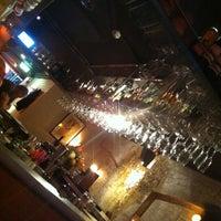 3/7/2012 tarihinde Taylor A.ziyaretçi tarafından Grandma's Bar'de çekilen fotoğraf
