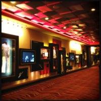Foto diambil di Seminole Hard Rock Hotel & Casino oleh Ber A. pada 4/2/2012