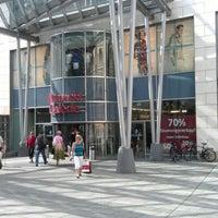 Das Foto wurde bei Altmarkt-Galerie von Sergej am 6/19/2012 aufgenommen