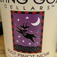 6/2/2012에 Tosh R.님이 Flying Goat Cellars Tasting Room에서 찍은 사진