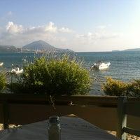 รูปภาพถ่ายที่ Elia โดย Leonidas T. เมื่อ 8/12/2012