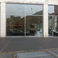Das Foto wurde bei Maserati of Manhattan von Emilio N. am 3/1/2012 aufgenommen