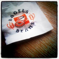 รูปภาพถ่ายที่ Bagels & Beans โดย Marco G. เมื่อ 6/4/2012