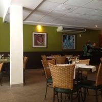 รูปภาพถ่ายที่ Limone Restaurante e Café โดย Lelex B. เมื่อ 6/13/2012