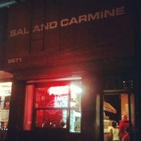 Das Foto wurde bei Sal & Carmine's Pizza von Michael H. am 8/25/2012 aufgenommen