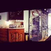 6/7/2012에 David A.님이 Toma Café에서 찍은 사진