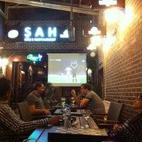 Foto diambil di Şah Cafe & Bar oleh Dyane R. pada 6/12/2012