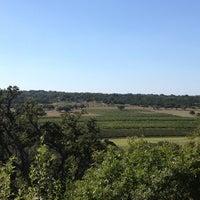 Снимок сделан в Driftwood Estate Winery пользователем Michelle J. 9/2/2012
