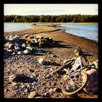 Снимок сделан в Kallahdenniemen uimaranta пользователем Rasmus L. 5/29/2012