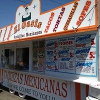 5/15/2012にGraham D.がEl Oasis Taco Truckで撮った写真