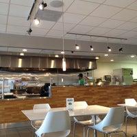 Foto tomada en Energy Kitchen por Bets Z. el 2/17/2012